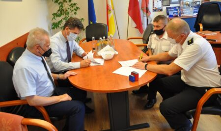 Podpisanie umów z NGO
