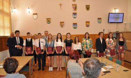 Nagrody Zarządu Powiatu dla najlepszych uczniów